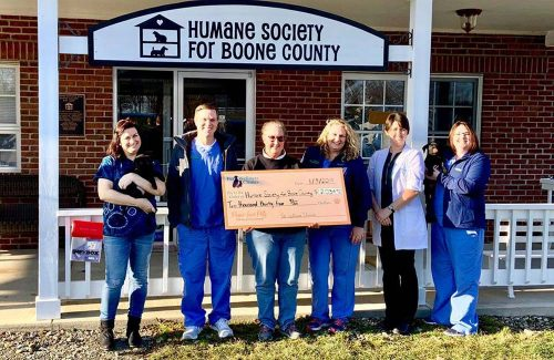 Local-Veterinary-Clinic-Raises-Money-for-Homeless-Animals
